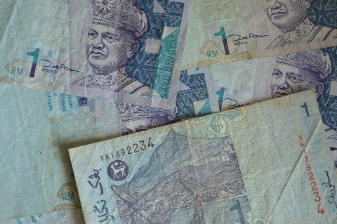 You get around 5 Malaysian Ringgit to £1