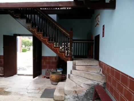 Staircase up to the main prayer hall
