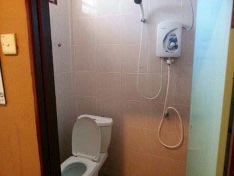 Bathroom at the Motel Sei Mutiara