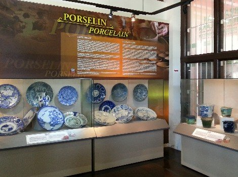 Display of porcelain from Melaka
