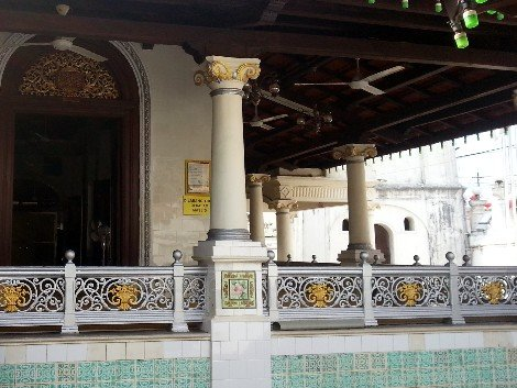 Corinthian columns at Kampung Kling Mosque